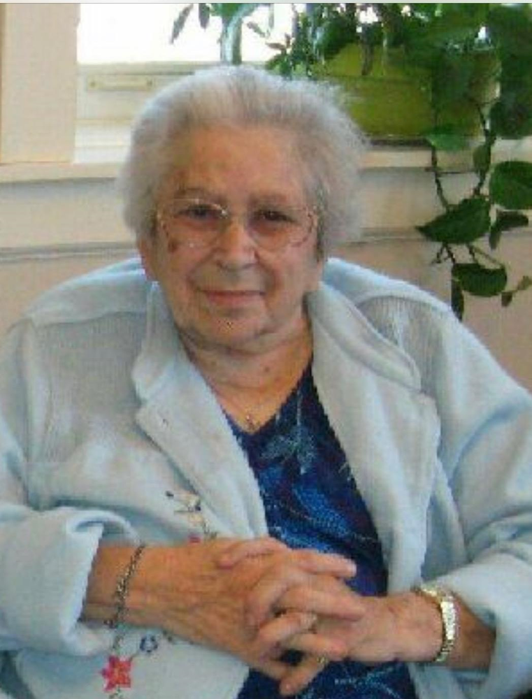 Obituary of Lois Goyea | Flint Funeral Home | Proudly
